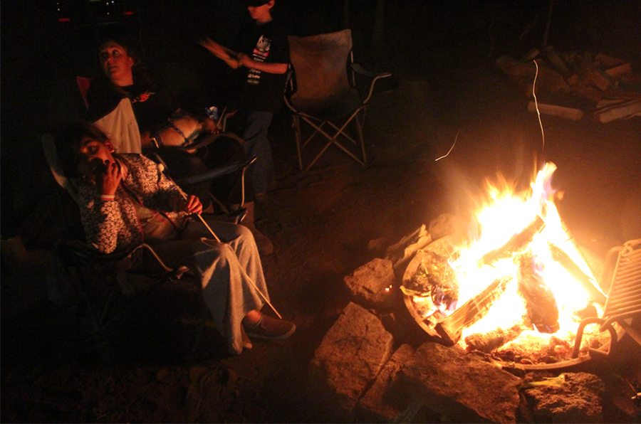 campfire-at-dinky